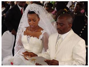 Le président Joseph Kabila vient de se marier religieusement à Mme Marie Olive Lembe di Sita ce samedi 17 juin au cours dun culte particulièrement solennel